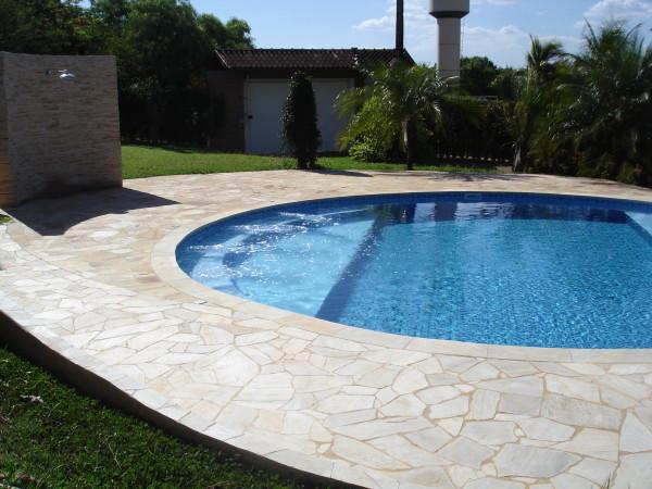 piso piscina lajoes quartzito