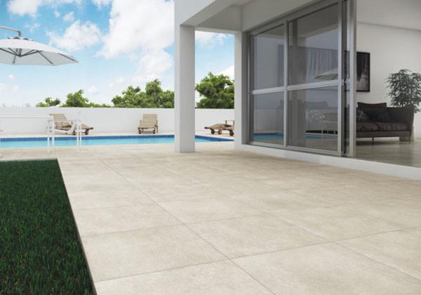 piso piscina porcelanato antiderrapante
