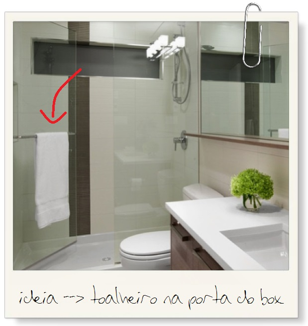 toalheiro na porta do box
