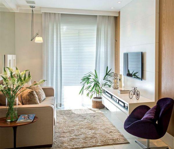 sala com cortinas brancas