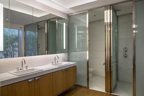 armario banheiro com iluminacao