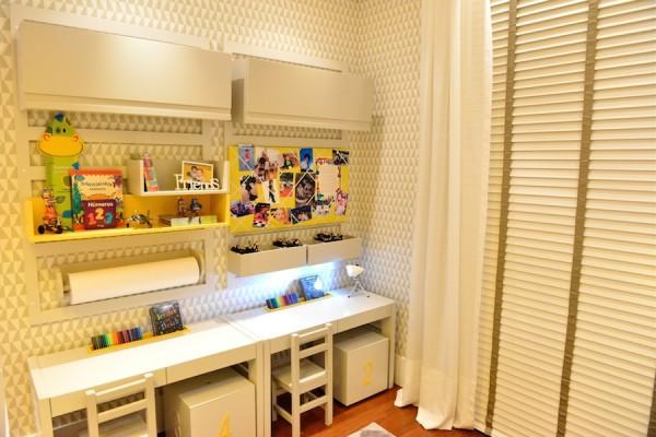 mesa baixa para crianca quarto cadeirinha