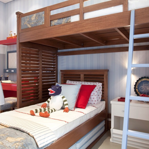 quarto cama no alto