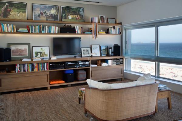 decoracao apartamento escritorio madeira janela vista praia