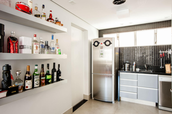 cozinha-preto-com-vermelho-cinza-bar