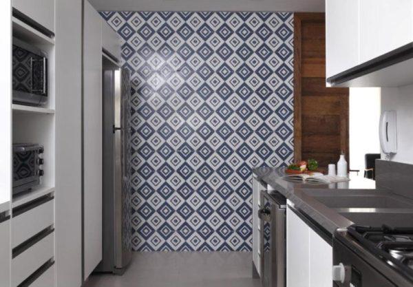 cozinha silestone cinza parede azulejo colorido