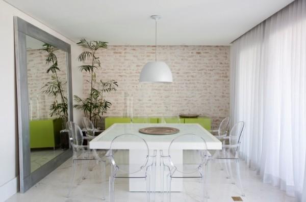 mesa de jantar branca em resina