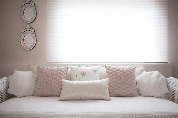 enxoval quarto de bebe menina rosa e cinza delicado
