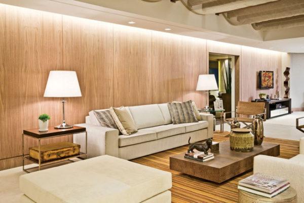 paredes revestidas de madeira clara