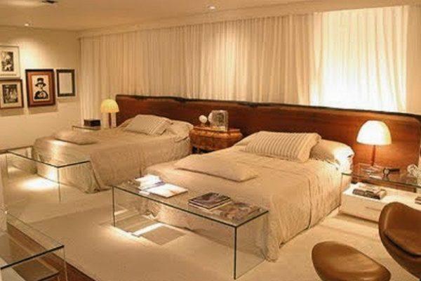 quartos de casal com duas camas