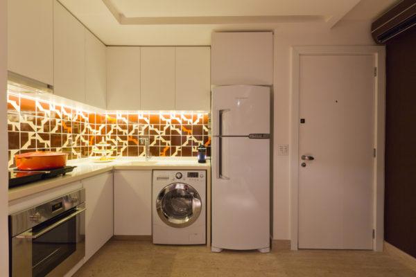 apartamento multifuncional pequeno com cozinha integrada