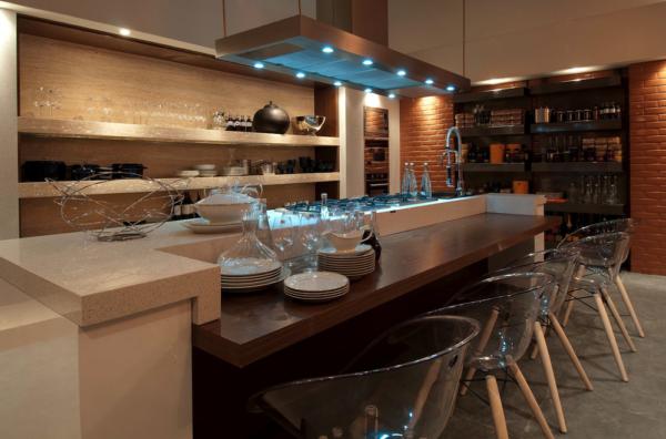 cozinha gourmet prateleiras marmore cadeiras acrilico