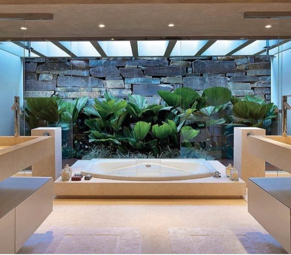 banheiro arejado claro ventilado jardim inverno