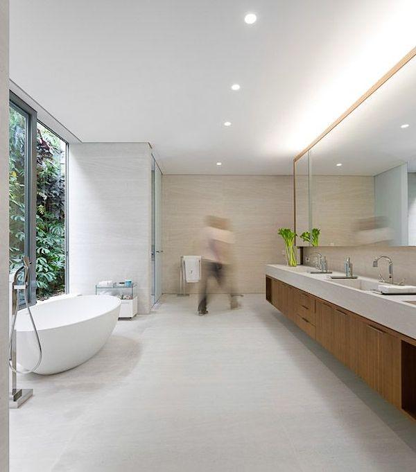 banheiros de casa atuais modernos bonitos banheira oval
