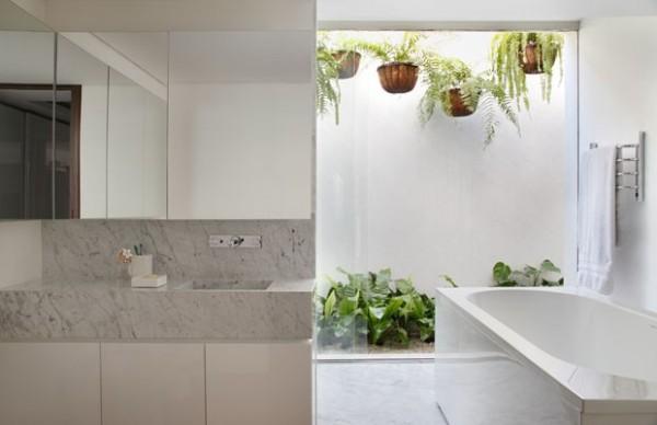 banho casal marmore carrara jardim interno
