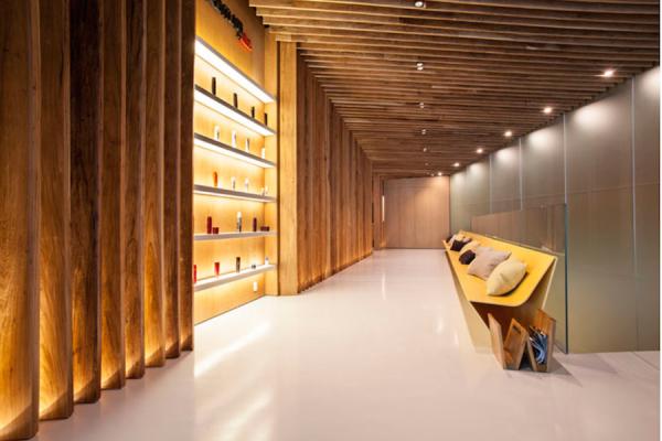 projeto pergolado madeira teto ripado banco design arrojado