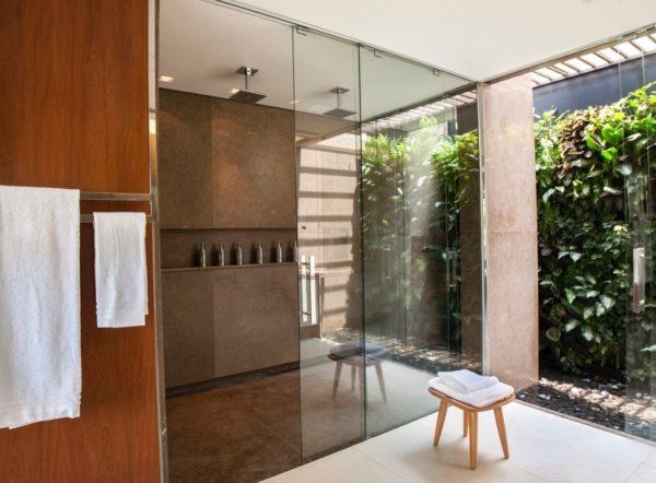 banheiro grande luxo banho suntuoso arejado chique sueli adorni