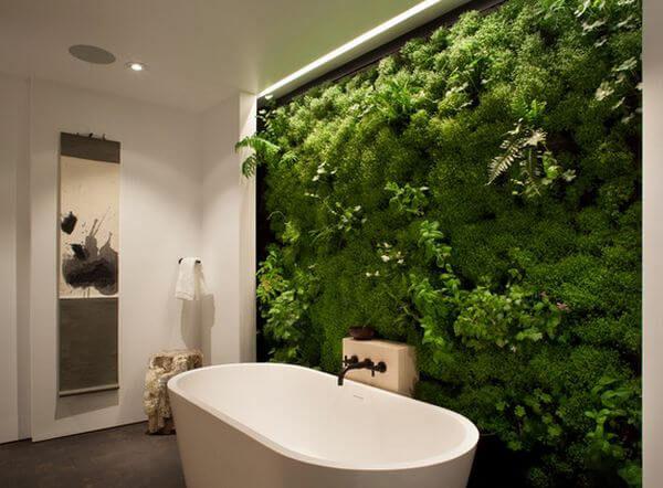 jardim vertical banheiro banheira apoio mostra decoracao