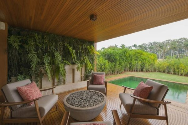 decoracao varanda casa grande jardim vertical